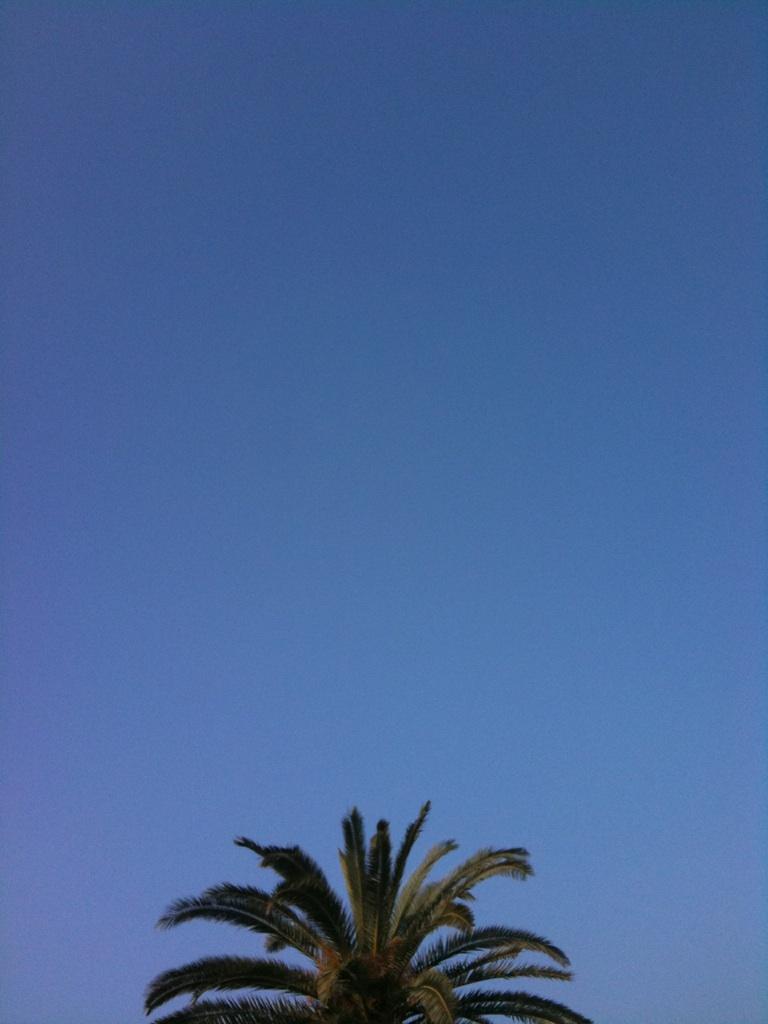 【子育て】パパ、どうして空は青いの?